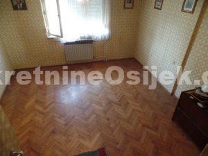 BOSUTSKO...etažna kuća u nizu...80m2 cca