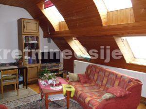 CENTAR GRADA, 4-sobni dvorišni stan od cca 153m2, 1.kat..PRILIKA!!!