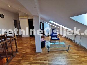 CENTAR GRADA....3-soban dvoetažni stan od 97.14m2 na 4.katu....DOBRA LOKACIJA!!!